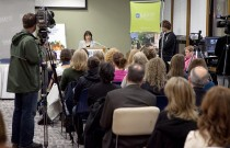 Media release photo – Report on 2010 Food Costing – Crowd/Camera